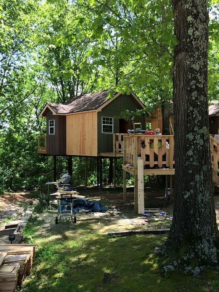 1 of 3 new treehouse cabins nearly complete at branson treehouse Treehouse Cabins In Branson