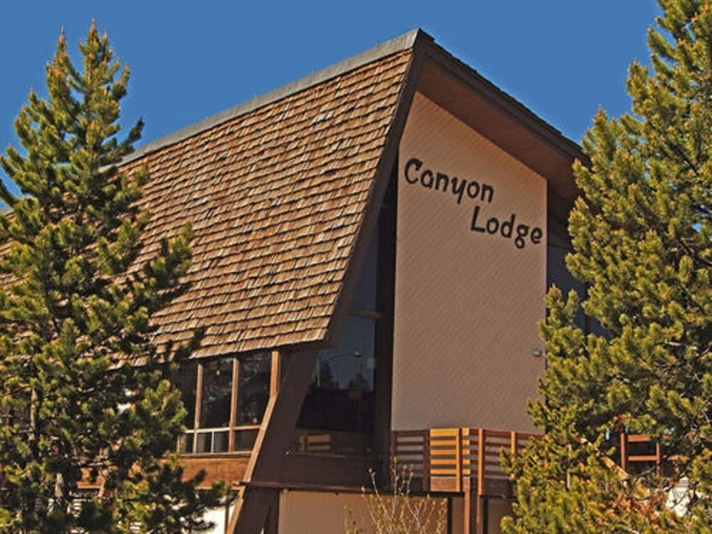 book canyon lodge cabins inside the park in yellowstone national Canyon Lodge & Cabins Yellowstone National Park Wy