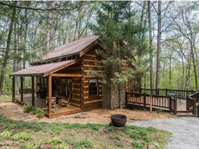 chimney log cabin in brown county indiana vacation rental Brown County Indiana Cabins