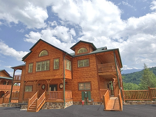gatlinburg cabin gatlinburg mansion 9 bedroom sleeps 32 5 Bedroom Cabins In Gatlinburg