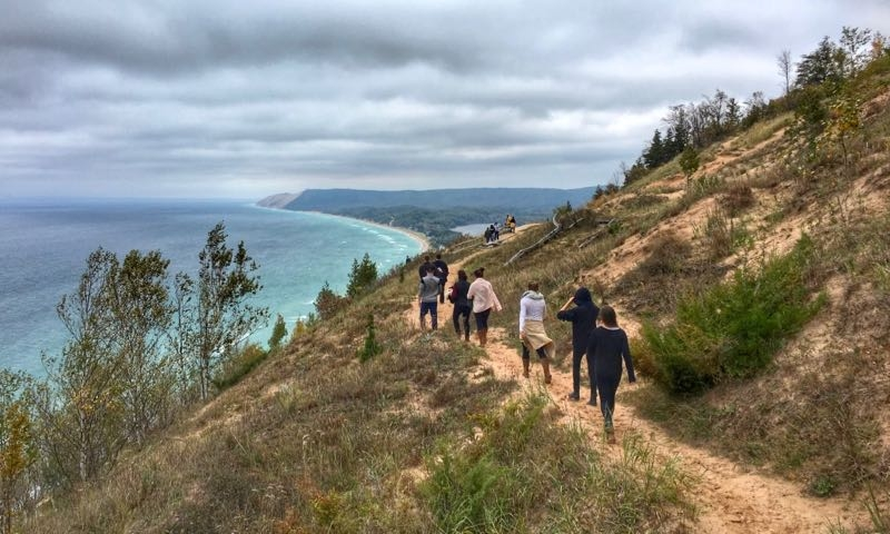 hiking trails near sleeping bear dunes and traverse city lake ann Cabins Near Sleeping Bear Dunes