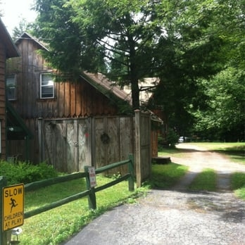 kenmore housekeeping cottages hotels 151 kenmore rd old forge Moose Country Cabins Old Forge Ny