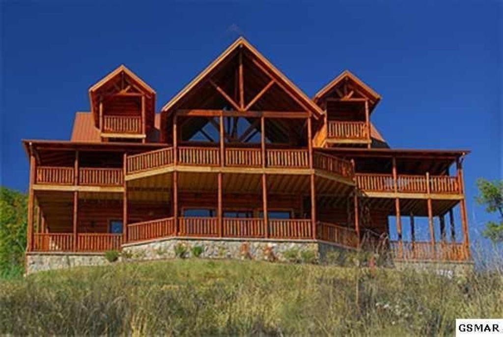 luxury 7 br 9 ba mt leconte views big b vrbo Cabins In Sevierville Tennessee