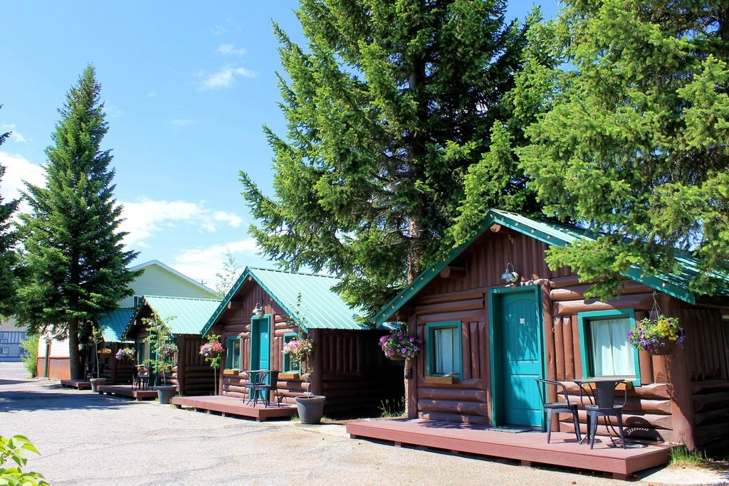 motel moose creek cabins west yellowstone mt booking Moose Creek Cabins West Yellowstone Mt