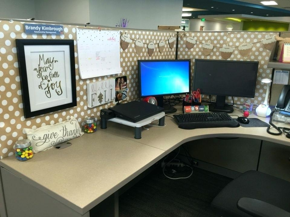 office cubicle decorating with office decorations ideas large size Office Cabin Decorating Ideas