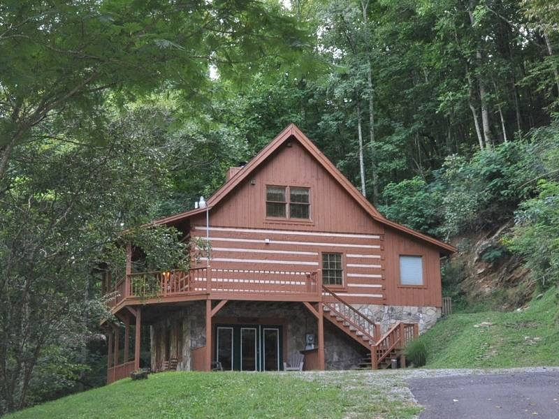 pet friendly cabins golden cabins Pet Friendly Cabins In Townsend Tn