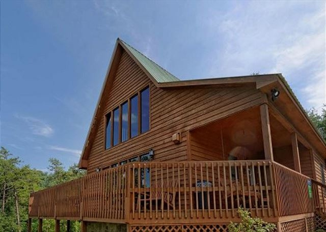 a grand view from above 2 bed 2 bath cabin acorn cabin rentals Grandview Lofted Barn Cabin