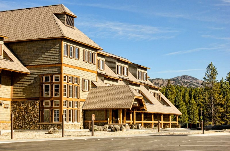 canyon lodge exterior Cabins Yellowstone National Park