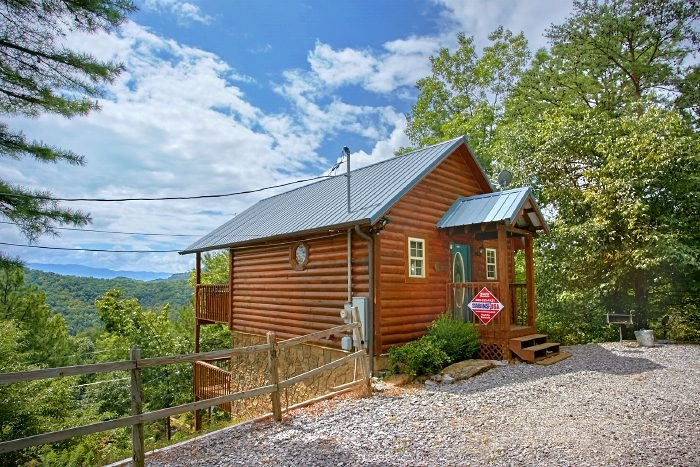 honeymoon cabin in wears valley private cabin in wears valley Smoky Mountain Small Cabins