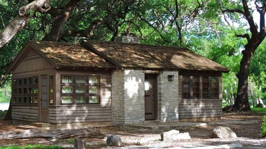 really neat cabins available to rent picture of garner state park Garner State Park Cabin Pictures