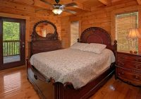 mistletoe lodge 4 bedroom cabin sleeps 8 in gatlinburg 4 Bedroom Cabins In Gatlinburg Tn